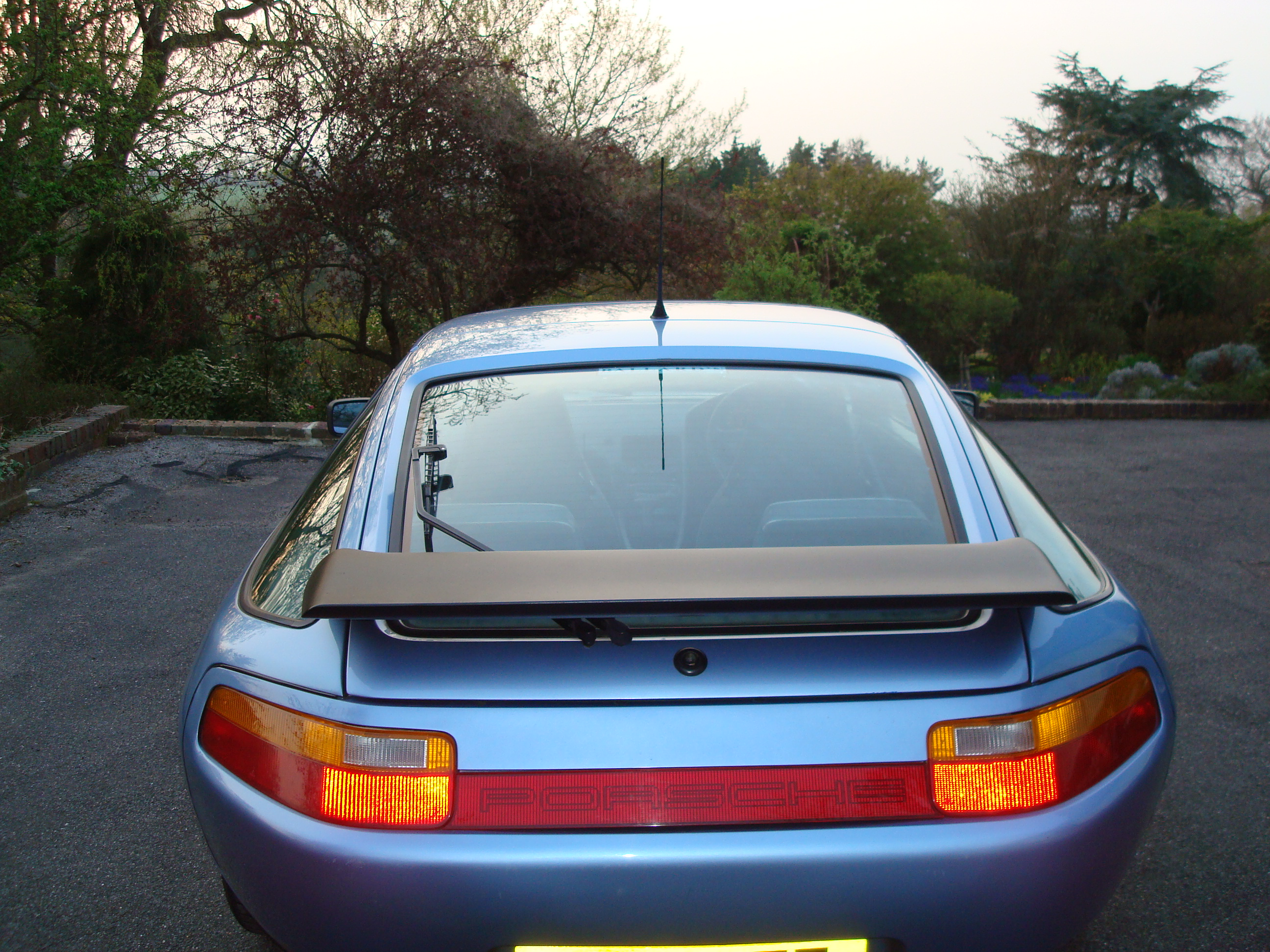 Porsche 928 S4 with a GTS rear  PU